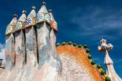 Dak van het huis Casa Batllo die door Antoni Gaudi wordt ontworpen stock afbeelding