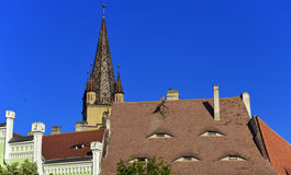 Dak van Piata Mica in Sibiu, Transsylvanië, Roemenië Stock Afbeeldingen