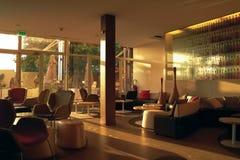 Dakar Afryka, Senegal, Styczeń 2013 - hotelowy lobby Obraz Stock