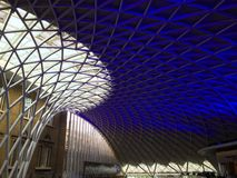Dakbovenkant van het internationale station Londen van Piccadilly Stock Foto's