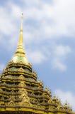 Dakbovenkanten van Thaise tempel Royalty-vrije Stock Afbeeldingen