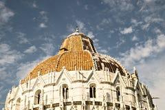 Dakdetail van de Doopkapelbaptistery van Pisa van St John Stock Afbeeldingen
