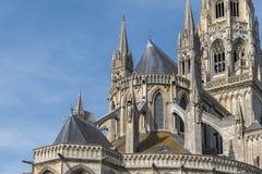 Dakdetail van de kathedraal in Bayeux, Normandië, Frankrijk Royalty-vrije Stock Foto's