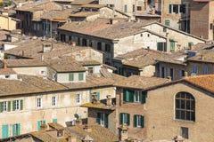 Daken en muren van huizen in Siena Royalty-vrije Stock Afbeeldingen