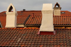 Daken en oude schoorstenen Royalty-vrije Stock Afbeeldingen