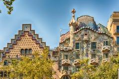 Daken van Casa Batllo en Casa Amatller, Barcelona, Catalonië, royalty-vrije stock afbeeldingen