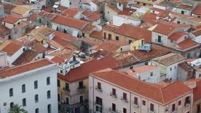 Daken van de oude stad van Cefalu, Itali? stock video
