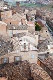 Daken van Fermo, Italië Oude steen het leven huizen Royalty-vrije Stock Foto's
