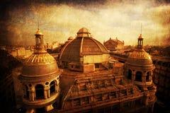 Daken van historische gebouwen met uitstekende stijltextuur Stock Fotografie