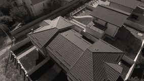 Daken van huizen van hommel, luchtmening worden gezien die royalty-vrije stock foto