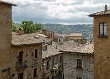 Daken van huizen, stad Orvieto, Italië, Toscanië Stock Afbeeldingen