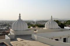 Daken van Udaipur, Rajasthan, India royalty-vrije stock afbeeldingen