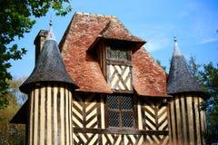 Dakheiligdom in het oude kasteel, Normandië, Frankrijk Stock Fotografie