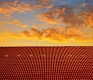 Dakhuis met betegeld dak Stock Fotografie
