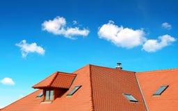 Dakhuis met betegeld dak Royalty-vrije Stock Afbeelding