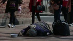 Daklozen stock videobeelden