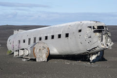 Dakota-Flugzeug auf dem Strand Stockbild