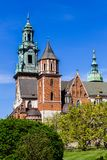 Daktorens van kathedraal op Wawel-kasteel, Krakau, Polen Stock Fotografie