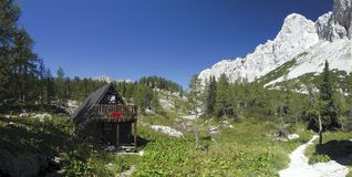 Dal av sju Triglav lakes i Julian Alps Arkivbild