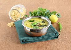 Dal curry'ego Zdrowy Indiański Jarski Boczny naczynie Zdjęcia Stock