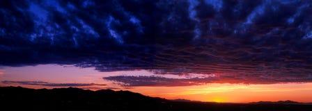 dal för solnedgång för lakepanorama salt Royaltyfria Bilder