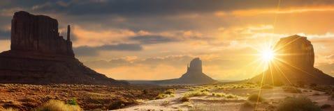 dal för USA utah för park för navajo för nation för arizona liggandemonument stam- Arkivbild