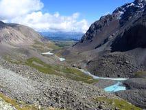 Dal i bergen Arkivfoto