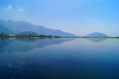 Dal Lake Mountain Reflection, Cachemire Photographie stock libre de droits