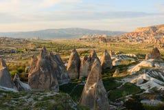 Dal med felika lampglas i Cappadocia Royaltyfri Bild