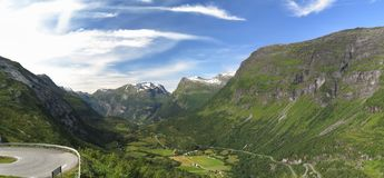 Dal ovanför Geirngerfjorden Arkivfoto