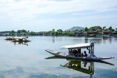 Dal sjö på Srinagar, Kashmir, Indien Royaltyfria Bilder