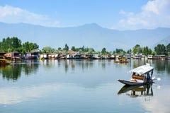 Dal sjö på Srinagar, Kashmir, Indien Arkivbild