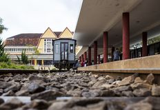 DALAT, ΒΙΕΤΝΆΜ - 17 Φεβρουαρίου 2017 Ο αρχαίος σταθμός είναι διάσημη θέση, προορισμός ιστορίας για τον ταξιδιώτη, με το σιδηρόδρο στοκ φωτογραφίες