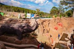 DALAT, ΒΙΕΤΝΆΜ - 17 Φεβρουαρίου 2017: Ο καταπληκτικός προορισμός για τον τουρισμό του Βιετνάμ, έργο της τέχνης ξέρει ως σήραγγα γ στοκ εικόνες