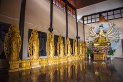 DALAT, VIETNAM - 17 de febrero de 2017: Linh An Pagoda con Buda feliz grande Lat de DA Vietnam Linh An Pagoda está situado en Nam Fotos de archivo libres de regalías