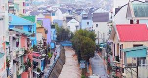 Dalat, Vietnam - 21 de marzo de 2019 Fuertes lluvias en las monta?as de Dalat, Vietnam C?mara lenta metrajes