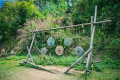 DALAT, VIETNAM - Februari 17, 2017: Cu-Lan het dorp bij Dalat-platteland, het hotel en de vakantie nemen onder pijnboomwildernis  Stock Foto's
