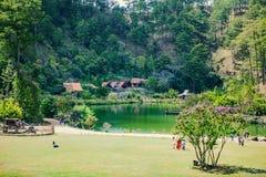 DALAT, VIETNAME - 17 de fevereiro de 2017: Vila do Lan do Cu no campo de Dalat, no hotel e no recurso de feriado entre a selva do Fotos de Stock Royalty Free