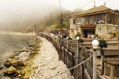 Dalboka - Tweekleppig schelpdierlandbouwbedrijf en Restaurant, Bulgarije Royalty-vrije Stock Foto