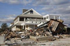 Zniszczony plażowy dom w następstwie Huraganowy Sandy w Dalekim Rockaway, NY zdjęcie stock