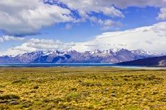 Daleko zdala od Torres osiąga szczyt panoramicznego widok Del Paine obraz royalty free