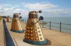 Daleks envahissent la terre de planète image stock