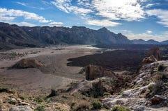 Dalen av den gamla krater av vulkan, calderaen av La Cañadas arkivfoto