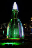 Dalen av sjön Abrau Springbrunn av flaskor Royaltyfri Bild