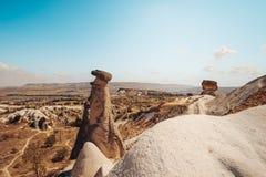 Dalen vaggar och stenar av Cappadocia, Turkiet Arkivfoto