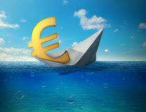 Dalend euro muntsymbool met document boot die in oceaan drijven stock fotografie