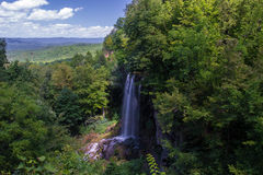 Dalende de Lenteswaterval, Covington, Virginia Stock Fotografie