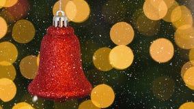 Dalende sneeuw en Kerstmisklokdecoratie