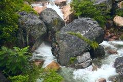 Dalende Waterdalingen Stock Foto's