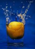 Daling aan glas water Royalty-vrije Stock Afbeelding